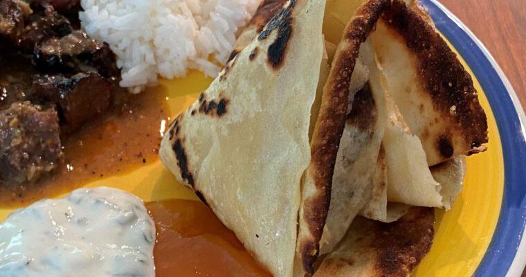 Paratha-leipää grillissä paistettuna
